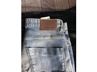 HUGO BOSS JEANS NEW FOR SALE (TO BIG FOR ME)