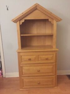 Maple dresser and hutch