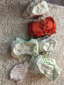 Fitted diaper lot.