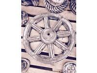 Wagon wheel garden ornament