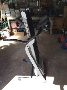 Life gear PaceMaker Pro treadmill Ascot Bendigo City Preview