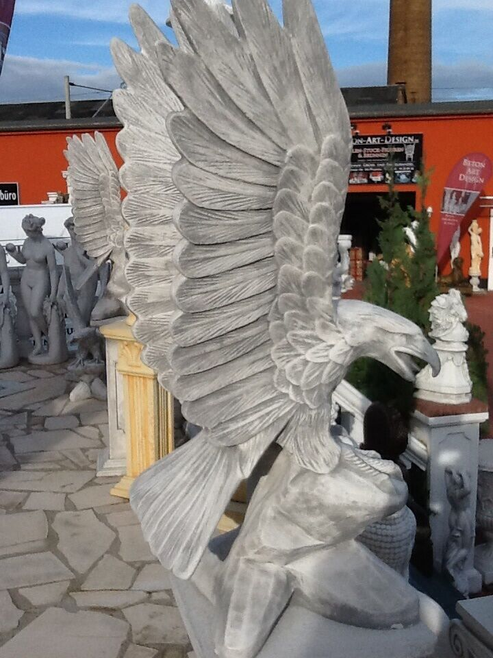 steinstatue adler auf felsen h he 90 cm vogel beton art design steinguss eur 149 00. Black Bedroom Furniture Sets. Home Design Ideas