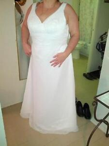 FS: Silk and Chiffon Wedding Dress - size 18 - 20 - NEW PRICE