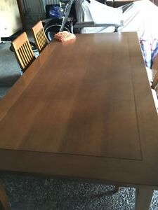 8 Seater solid timber dining table Fishing Point Lake Macquarie Area Preview