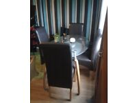 stunning dining table with 4 chairs £150