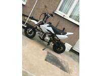 Loncin 110cc pitbike (1 down 3 up)