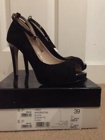 Miss KG court shoes