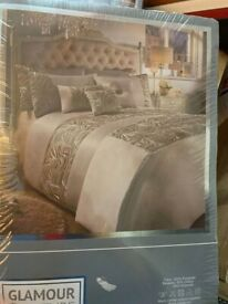 GLAMOUR DUVET SET IN CHAMPAGNE / SIZE: DOUBLE