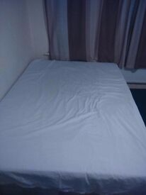 NICE & CLEAN DOUBLE ROOM IN ILFORD LANE