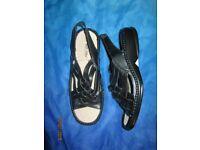 BLACK FLAT SANDALS SIZE 5 COMFY WALK EASY SOFT STEP BRAND NEW