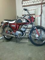 1967 Yamaha yl 100 street bike