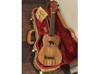 AnueNue Ukulele Lani S - solid acacia koa - case and strings included