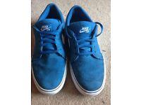 Nike SB Trainers Size 6 EU 39