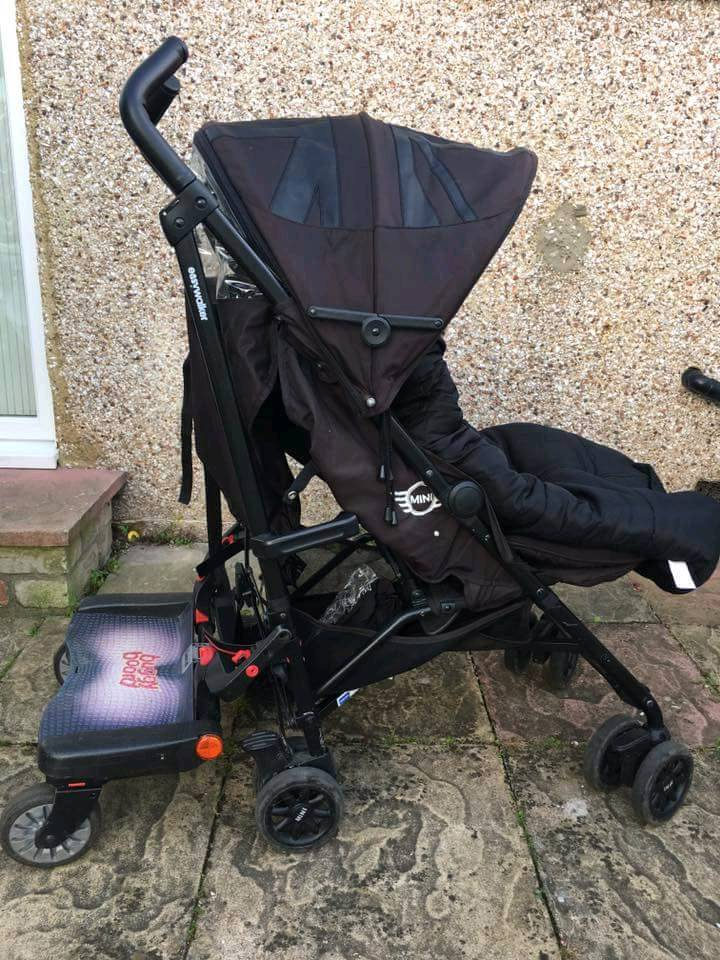 Mini stroller with accessories