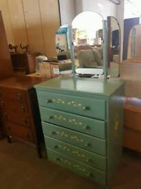 Vintage chest of drawers with 3 mirror,s