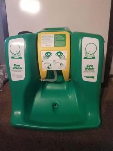 Portable Eye Wash Station - Guardian G1540 AquaGuard 16 Gallon, Gravity Flow