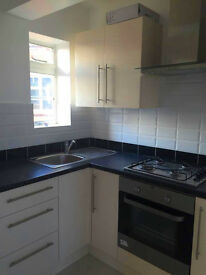 Beautiful 1 bed flat in Arnos Grove ideal for couples or single available now! Newly refurb