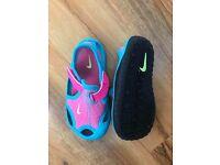 Nike Sunrays infant size 4.5