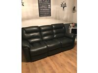 La z boy Manhattan 3 Seater power recliner and recliner chair Immaculate Condition
