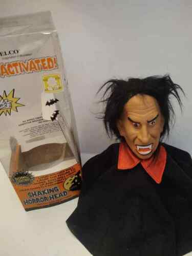 SHAKING HORROR HEAD * DRACULA * TELCO 1990 LIGHTED / SOUND ACTIVATED * RARE *
