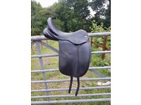 Black Country Eloquence Saddle 17inch MW