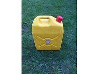 Caravan / camper / tent water container