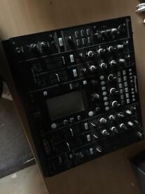DJM 2000 UP FOR QUICK SALE. Fully working. Good condition.