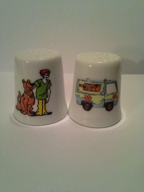 Set of 2 Scooby Doo & Shaggy Collectible Porcelain Thimbles