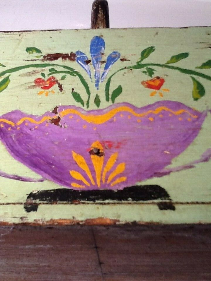 EARLY AMERICAN FOLK ART ANTIQUE PAINTED WOODEN CARRY BOX FLORAL DESIGN AMISH  - $30.00