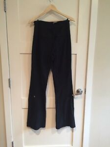 Size 8 Lululemon Highwaisted Groove Pants