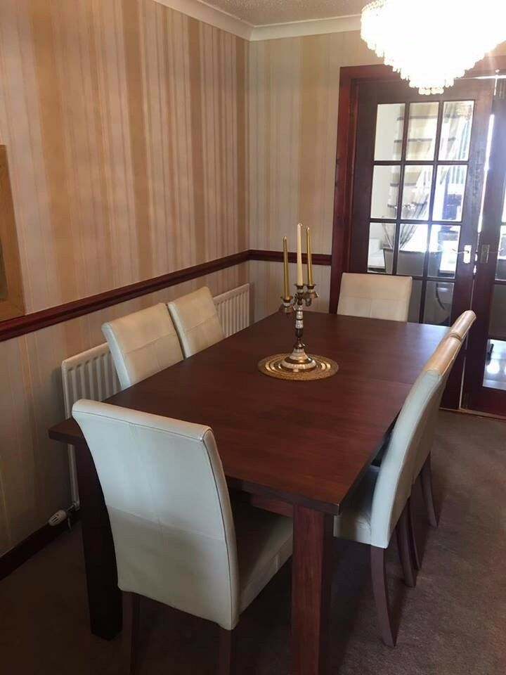 Extendable Walnut Wooden Dining Table With 6 Cream Leather Chairs