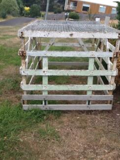Sheep/calf crate Forth Central Coast Preview