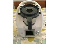 Vorwerk Thermomix TM5 with accessories