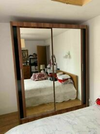SLIDING MIRRORED DOOR CHICAGO WARDROBES IN DIFF SIZES AN COLORS🌠