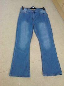 ladies TRu blue jeans size 16