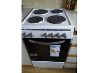 Electric oven wiht hobs. Less than a year old. Very good condition.