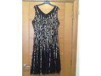 Quiz ladies size 18 black and cream dress complete with accessories