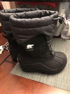 Boys Sorel Boots Size 9