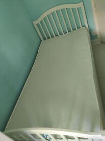 CoolFlex single mattress with memory foam layer