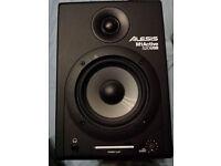 ALESIS M-1 ACTIVE SPEAKERS