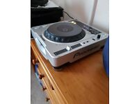 Pair of Pioneer CDJs 800 mk2 x 2 decks