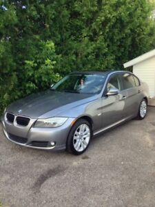 ***MUST GO BY WEDNESDAY** 2011 BMW 323i Luxury Edition