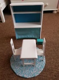 Beautiful wooden furniture for a barbie with a little rug, all NEW