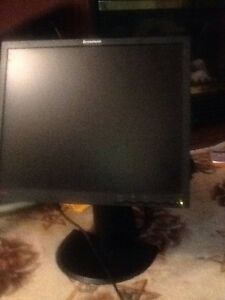 "Lenovo 17"" monitor, router, brand new & brands bags"
