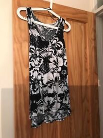 Ladies size 10 long black and white top