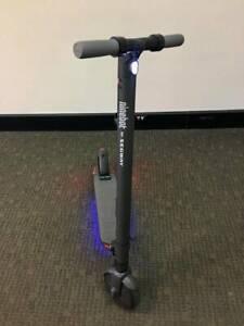 BRAND NEW - SEGWAY ES2 Electric Kick Scooter 1 Year Warranty