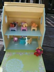 Dolls house - Goldilocks and 3 bears.