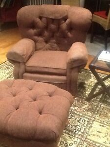 Recliner chair with ottoman