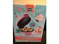 BNIB - Lovely AMERICAN mini Cupcake maker , With Instruction