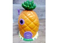 Spongebob Squarepants Pineapple House with accessories & additional characters. Excellent Condition!